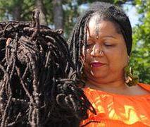 Włosy tej kobiety mierzą 16 metrów!