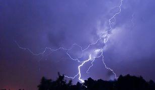 Pogoda. Burze z gradem i intensywne opady deszczu. IMGW wydaje ostrzeżenia
