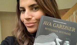 Weronika Rosati bierze udział w akcji Wirtualnej Polski #GdybyNieKsiążka