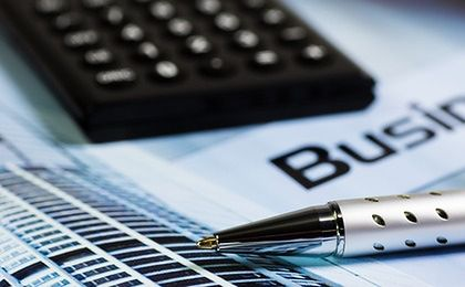 Polskie firmy spóźniają się z płatnościami. Gorsze tylko Portugalia i Grecja