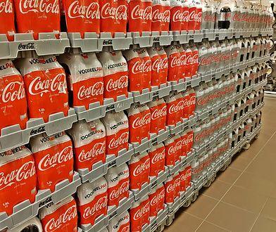 Coca-Cola wstrzymała dostawy swoich produktów do sklepów sieci Intermarché i Netto.