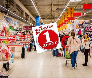 W supermarketach i dyskontach również trwają poświąteczne wyprzedaże.