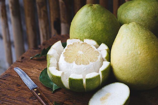 Pomelo to jeden z największych owoców cytrusowych.