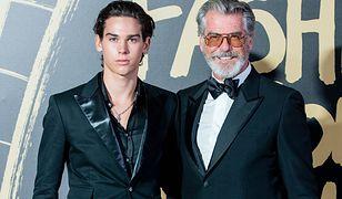 Pierce Brosnan pozuje z synem na London Fashion Week. Paris Brosnan to prawdziwy przystojniak