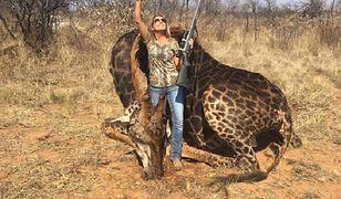 Kobieta upolowała rzadki gatunek żyrafy czarnej i pochwaliła się zdjęciem na Facebooku.