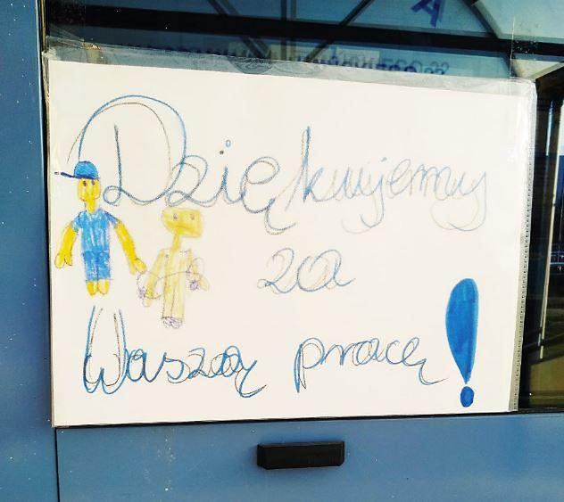 Koronawirus w Warszawie. Mieszkańcy są wdzięczni stołecznym polcjantom