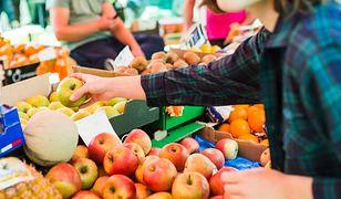 W Belgii niedługo zaczną obowiązywać nowe przepisy zabraniające umieszczania etykiet samoprzylepnych na owocach.