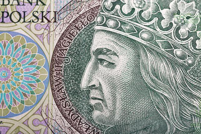 Według ekonomistów BZ WBK euro może kosztować 4,22 zł na koniec miesiąca.