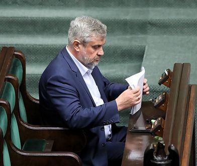 """""""Piątka dla zwierząt"""". Zawieszeni posłowie mają opuścić partię. PiS straci większość w Sejmie?"""