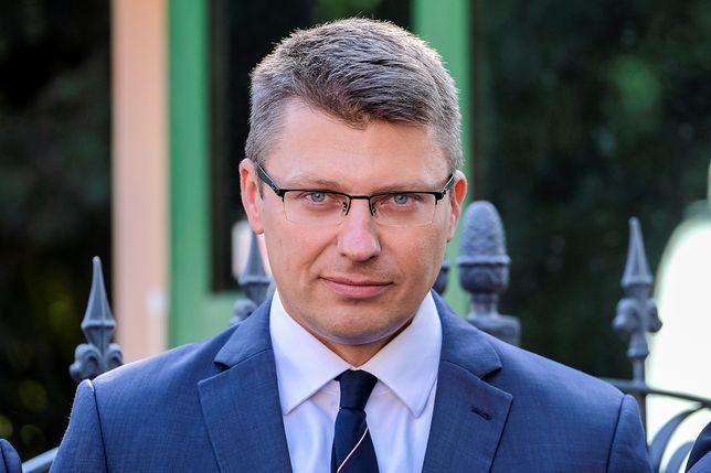 """Prawicowy portal opublikował korespondencję dziennikarza """"Gazety Wyborczej"""" z wiceministrem"""
