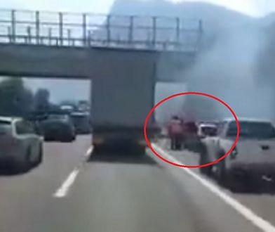 Pijany Polak wjechał w radiowóz. Włoscy policjanci w szpitalu