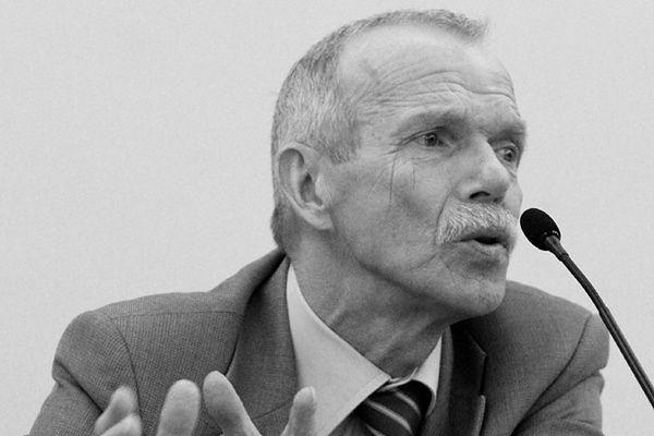 Prof. Edmund Wnuk-Lipiński