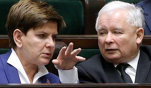 Beata Szydło i Jarosław Kaczyński na sali sejmowej
