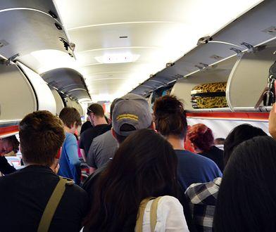 Stało się. Pierwszy lot z pasażerami podróżującymi na stojąco