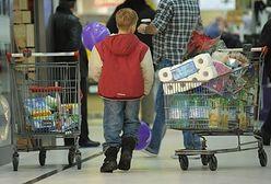 Nastroje konsumenckie coraz lepsze. Polacy liczą na odłożenie gotówki