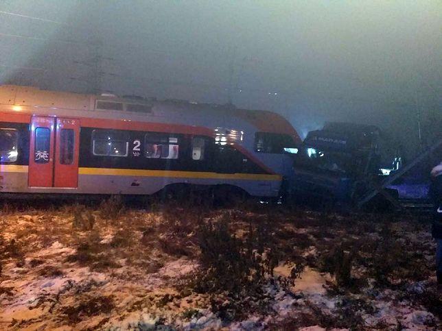 Pociąg uderzył w tira w Łodzi. Seria wypadków, są ranni