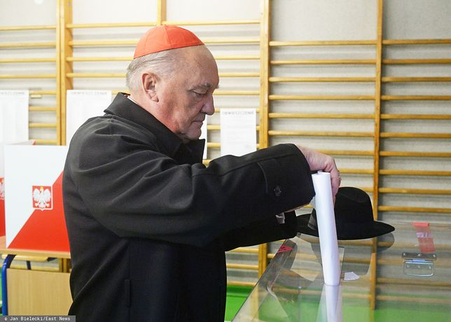 Wybory parlamentarne 2019. Kardynał Nycz oddał głos.