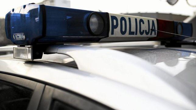 Policyjna obława w Warszawie. Ścigany potrącił policjanta