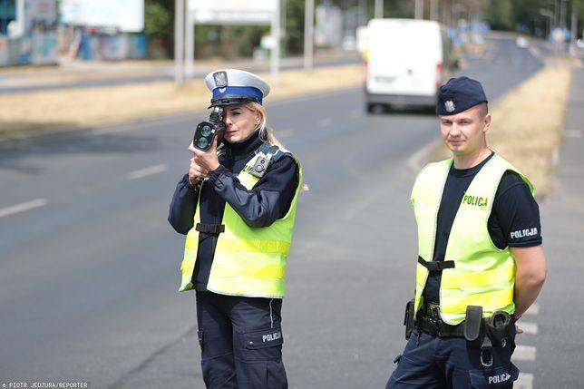 """Warszawa. Akcja policji """"Prędkość"""" trwa przez całą środą, na wszystkich drogach w kraju"""