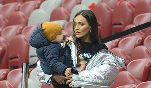 Marina Łuczenko-Szczęsna z synem na Stadionie Narodowym