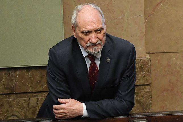 Antoni Macierewicz już od maja sprzeciwia się emisji dokumentu o katastrofie smoleńskiej?