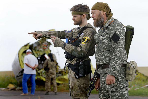 Separatyści prorosyjscy w pobliżu miejsca tragedii