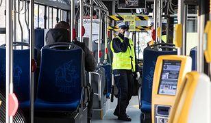 Koronawirus w Polsce. Sanepid w Krakowie szuka pasażerów dwóch autobusów