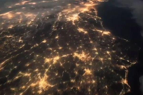 Zorza polarna tuż przed wschodem słońca. Niezwykłe nagranie NASA