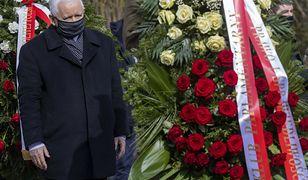 Jarosław Kaczyński uczci 11. rocznicę pogrzebu brata i jego żony