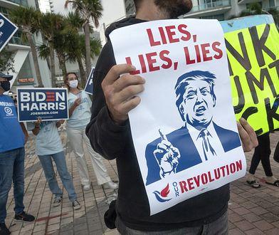 USA. Wybory prezydenckie. Protest zwolenników Joe Bidena przed wizytą Donalda Trumpa w Miami