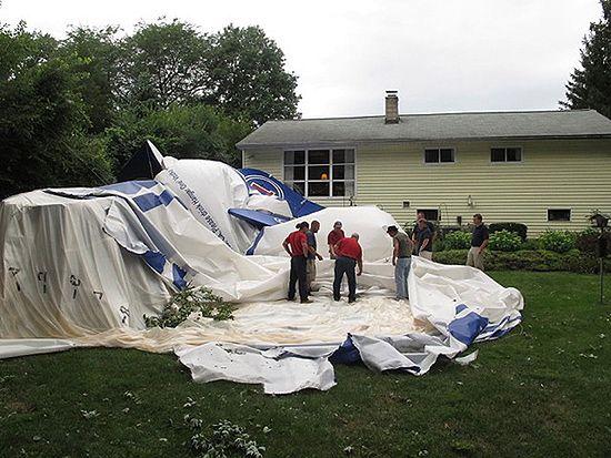 94-latka osłupiała, gdy po burzy wyjrzała przez okno