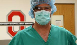 Studenci medycyny ćwiczą z Google Glass