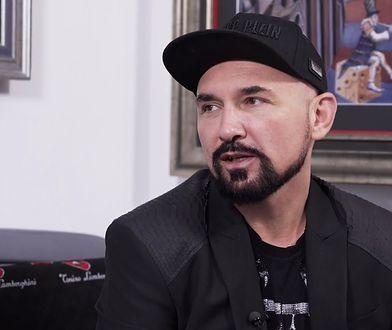 Patryk Vega: politycy obiecywali mi miliony, później grozili aresztem