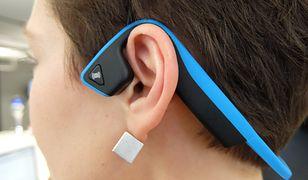 Aftershokz – słuchawki, które grają muzykę przez kości. Sprawdzamy, jak działają