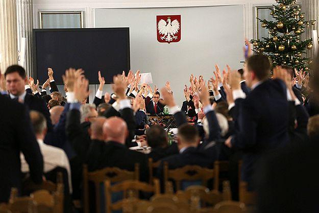 Polacy chcą powtórzenia głosowania ws. ustawy budżetowej. Sondaż IBRiS