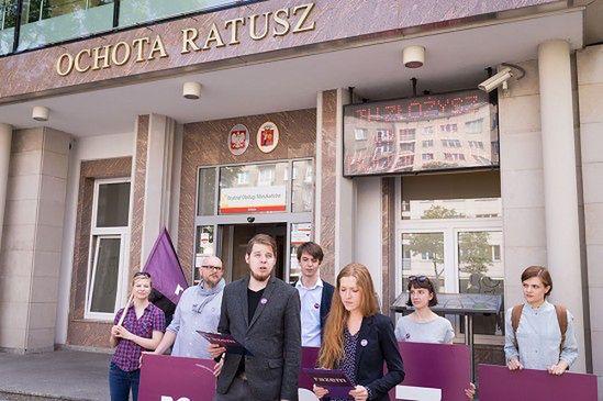 Napaść na 14-letnią Turczynkę. Rada Dzielnicy Ochota zwołała nadzwyczajną sesję