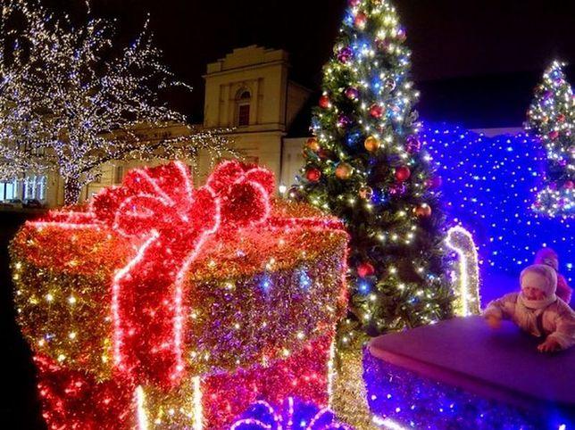 Świąteczna iluminacja. Zamknięty Trakt Królewski i autobusy na objazdach
