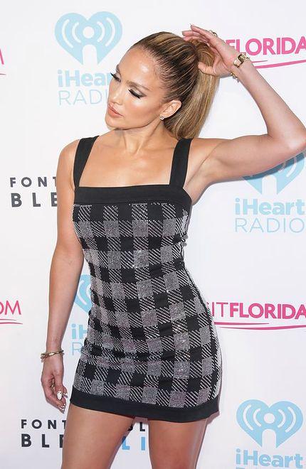 Jennifer Lopez gubi latynoskie kształty