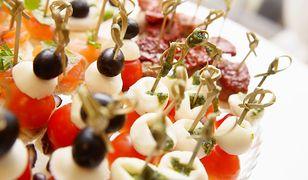 Potrawy na sylwestra w domu: przekąski i dania