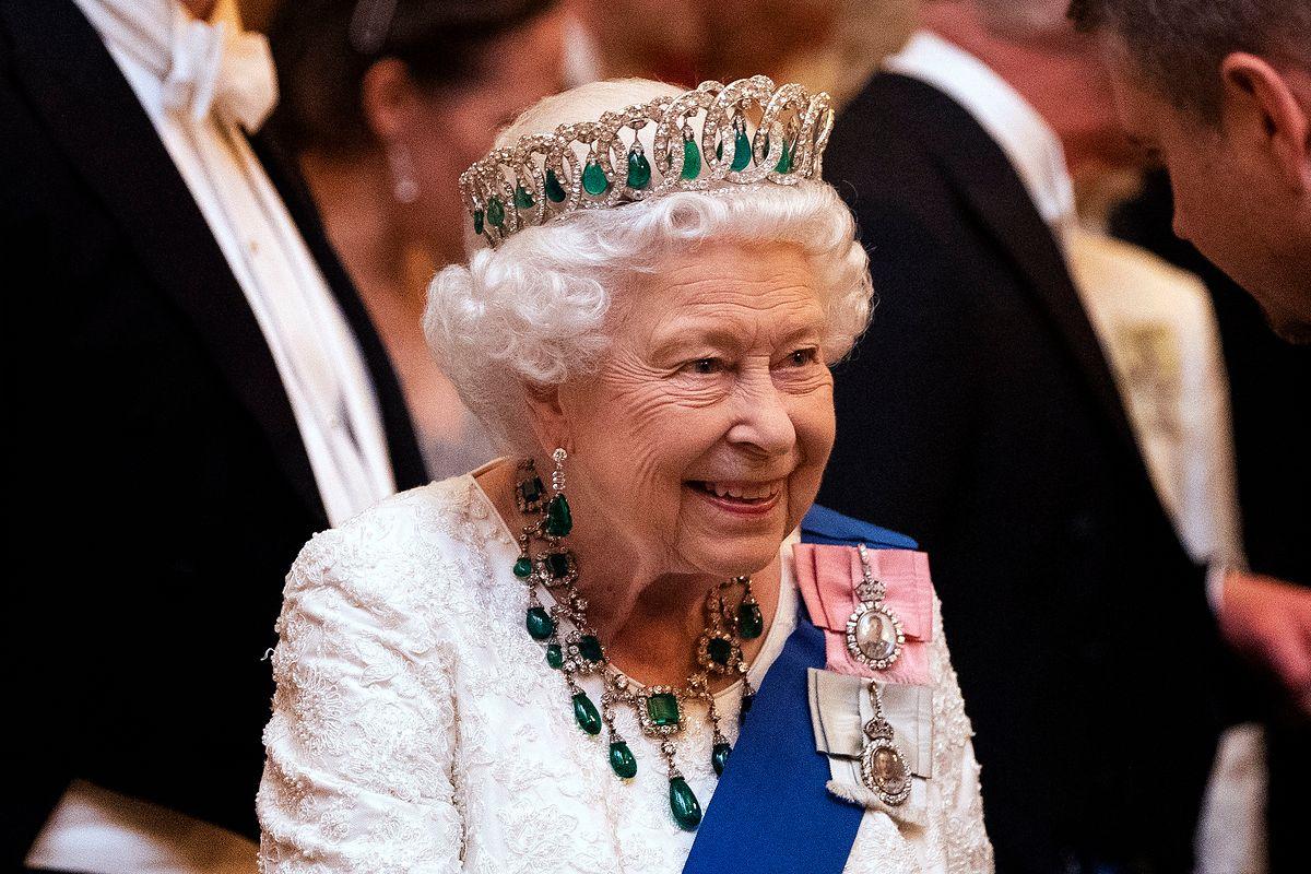 Królowa Elżbieta II w tym roku bez wnuków w Boże Narodzenie. Jak będą wyglądały jej święta?
