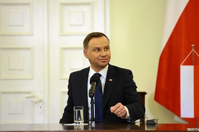 Według CBOS, działalność Andrzeja Dudy pozytywnie ocenia 62 proc. Polaków
