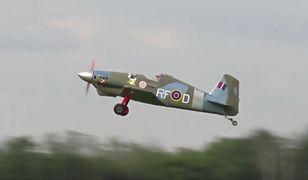 Midget Mustang stylizowany na samolot z czasów II wojny światowej