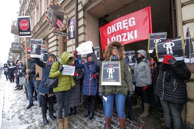 20 grudnia pracownicy prokuratur w Łodzi wyszli na ulice