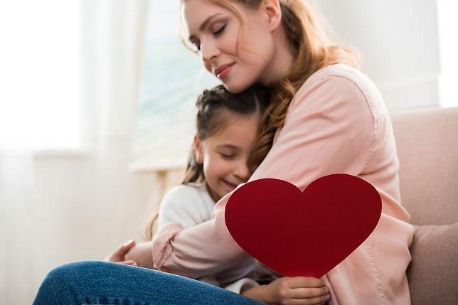 Życzenia z okazji Dnia Matki. Sprawdź, kiedy w tym roku wypada Dzień Matki i skorzystaj z naszej listy życzeń
