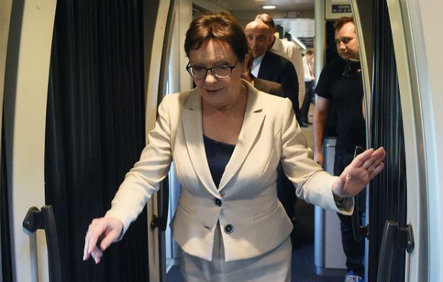 """Ewa Kopacz podróżuje, wyborcy komentują: """"Na żywo jest szczuplejsza"""""""