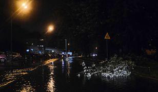 Burza. Ulewne deszcze przeszły nad Polską. Ponad tysiąc zgłoszeń do strażaków