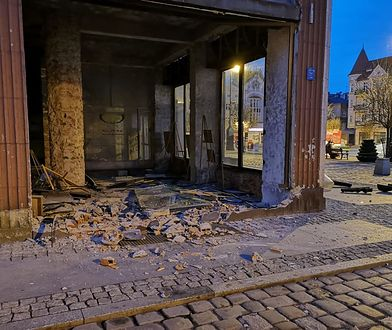 Pijana kobieta wjechała w ścianę domu towarowego na rynku miasta. Grozi jej więzienie