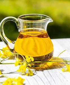 Olej rzepakowy. Skuteczny pomocnik przy pielęgnacji suchej i wrażliwej skóry głowy