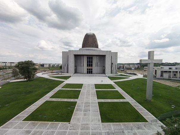 """15 mln zł od wiernych na Świątynię Opatrzności Bożej. """"Ponad drugie tyle z budżetu"""""""