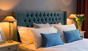 Najpopularniejszą szerokością łóżka dwuosobowego jest 160 cm.